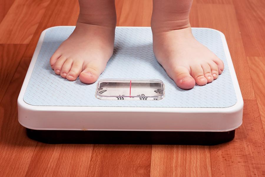 Obesità? Un problema già in tenera età. Attenzione ad alimentazione e abitudini