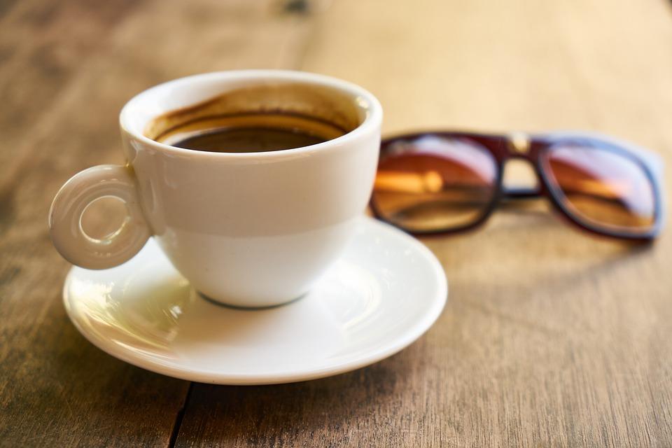 Attenzione a bere caffè o tè: può aumentare il rischio di cancro ai polmoni!
