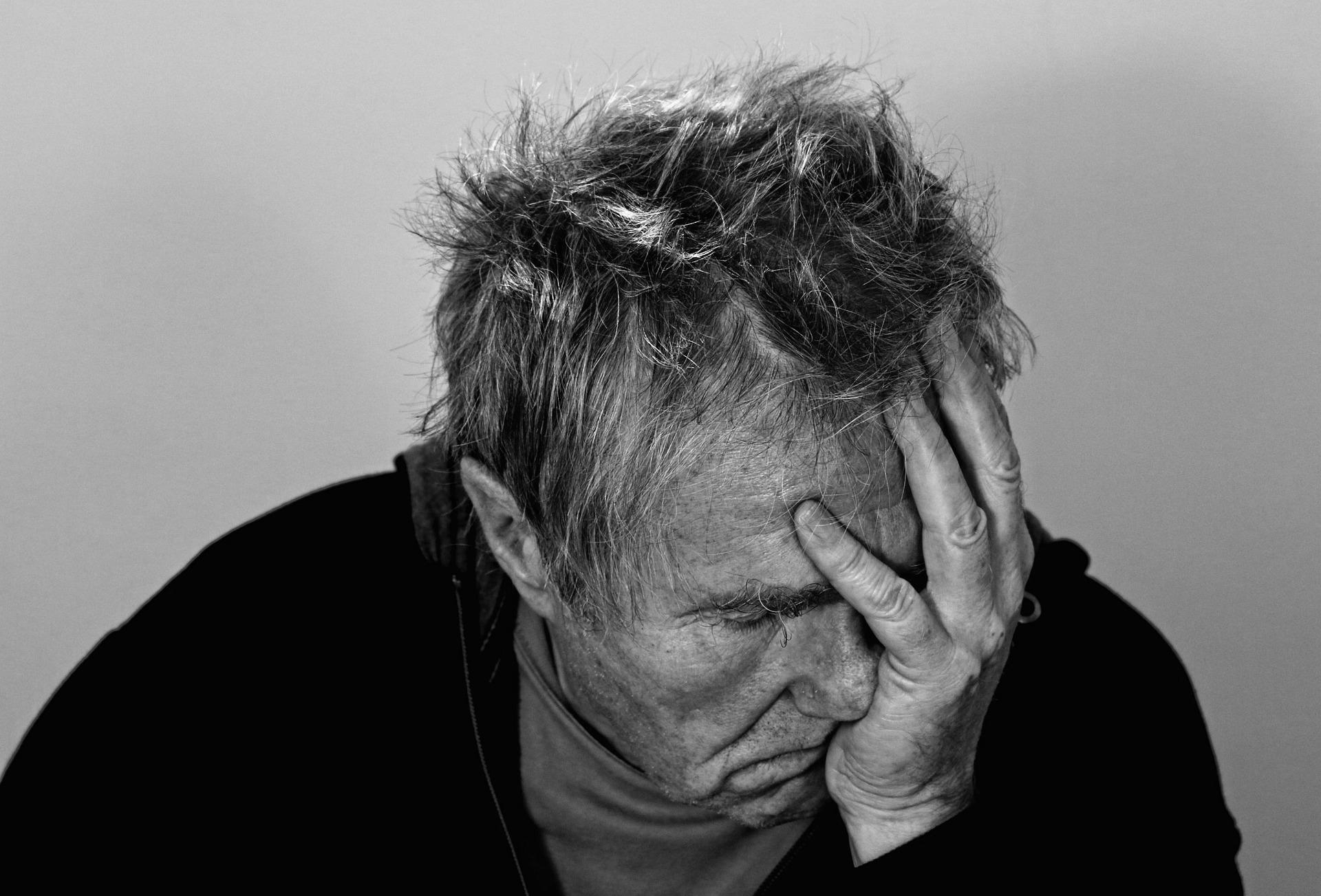 """Alzheimer, scoperta la molecola """"miracolosa"""" in grado di bloccare la malattia"""